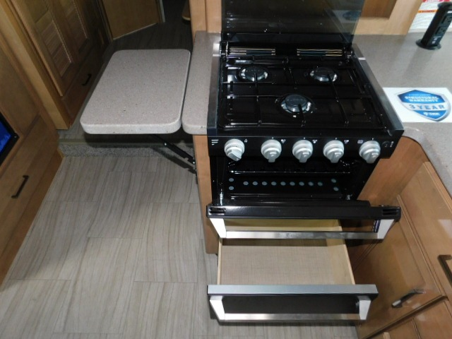 3-BURNER GAS COOKTOP/OVEN w/GLASS COVER and COUNTER EXTENSION