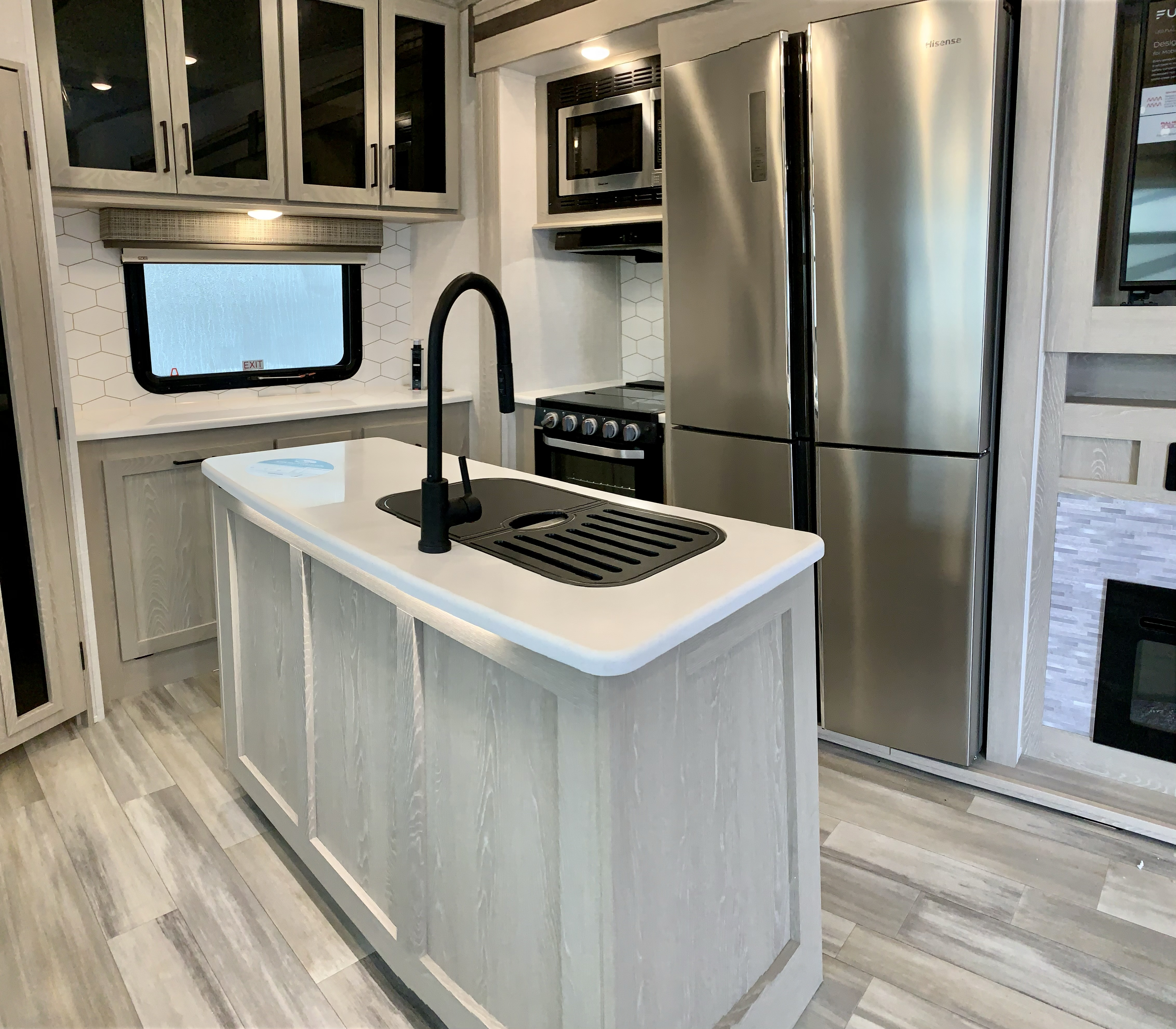 2021 FOREST RIVER FLAGSTAFF F529RKB NEW FIFTH WHEEL FOR SALE HALIFAX NS