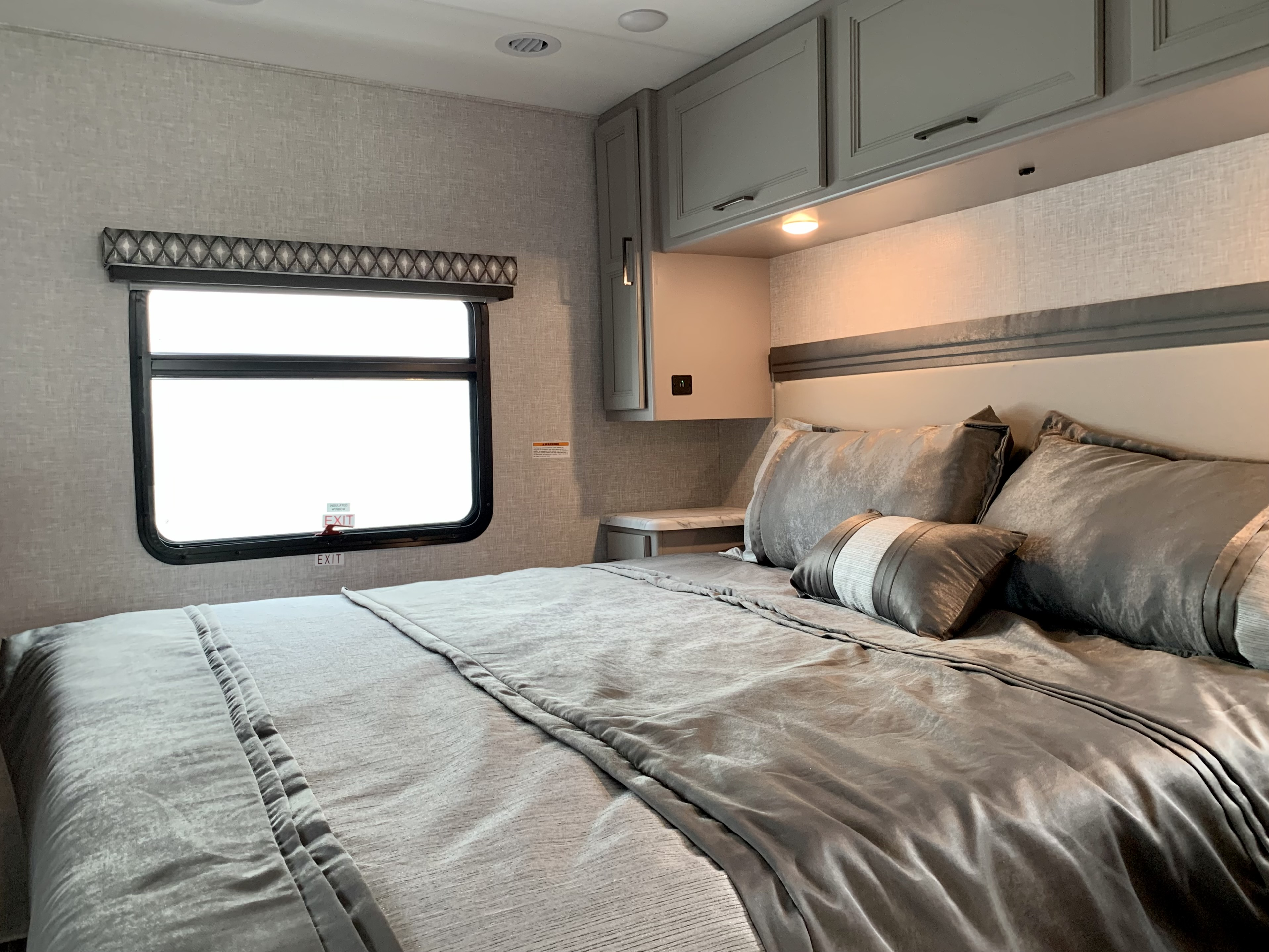 Hurricane 34R Class A Motorhome, 2 slides, rear master bedroom, mid 3 piece bathroom, kitchen and front livingroom.