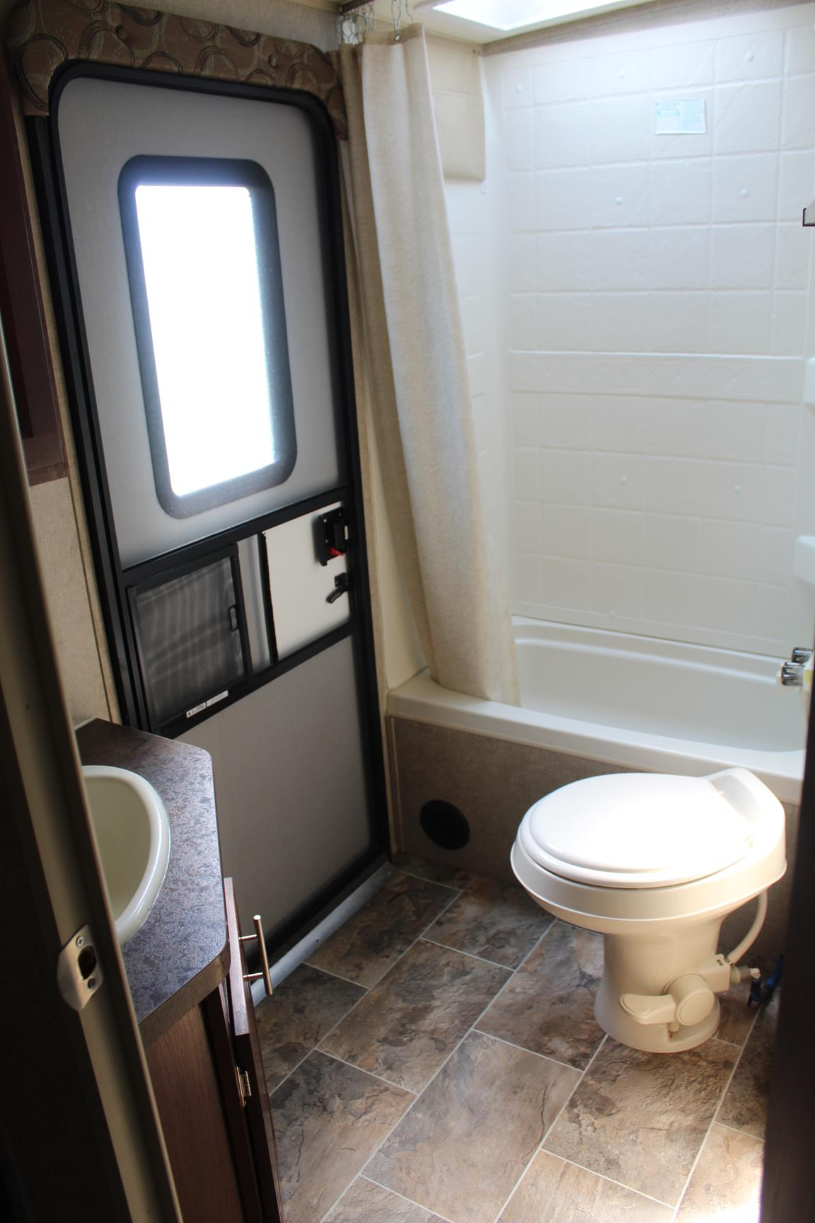 2016 FOREST RIVER ROCKWOOD 2702WS RV12 96104A