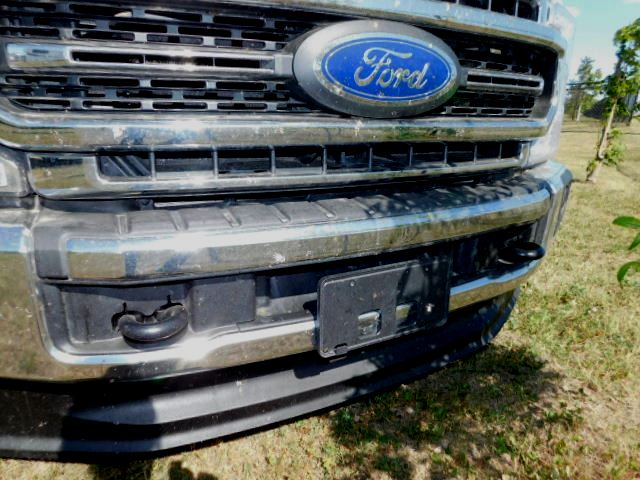 F350 GRILL with TOW HOOKS