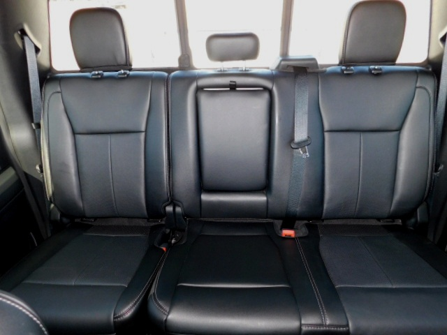 F350 LEATHER REAR SEATS