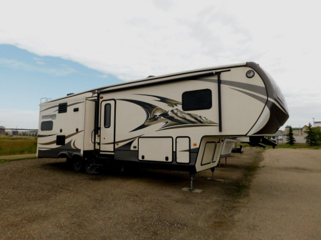 MOUNTAINEER 291RLT EXTERIOR ENTRY SIDE