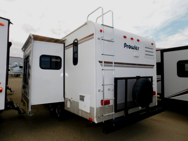 PROWLER 230RK EXTERIOR REAR with SPARE TIRE, RACK and ROOF LADDER