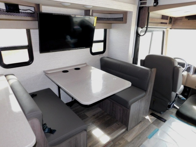 WINNEBAGO SUN STAR 31B BOOTH DINETTE, TV, SEATBELTS and CUP HOLDERS