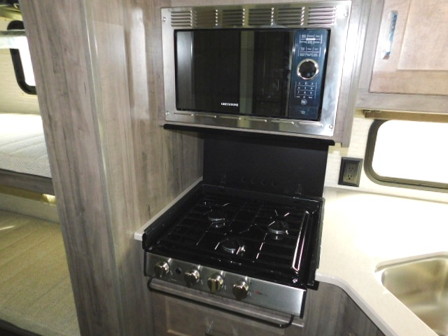 WINNEBAGO SUN STAR 31B STOVETOP and MICROWAVE/CONVECTION OVEN