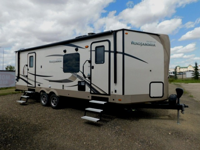 WINDJAMMER 2618VS with TWO ENTRY DOORS