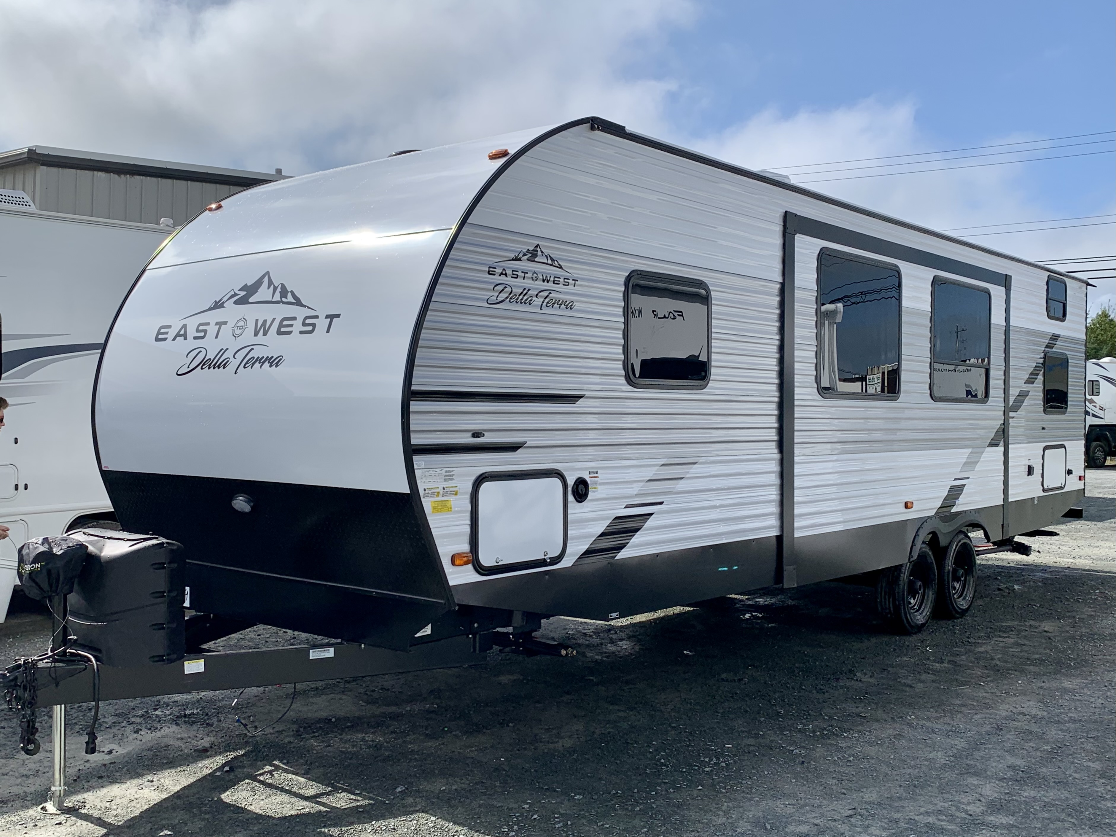 2022 EAST TO WEST RV DELLA TERRA 271BH NEW TRAVEL TRAILER WITH BUNK BEDS FOR SALE HALIFAX NS