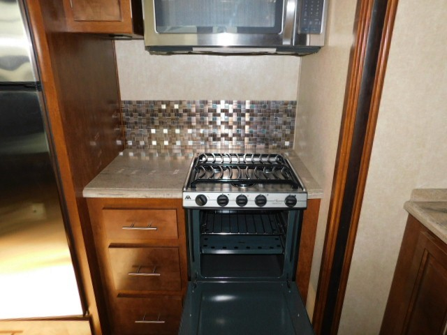 APPLIANCES - STOVE, OVEN, MICROWAVE