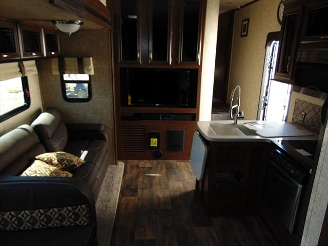 2017 Forest River SANDPIPER 3350BH For Sale In Edmonton