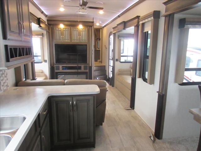2018 Keystone MONTANA 3700LK For Sale In Abbotsford