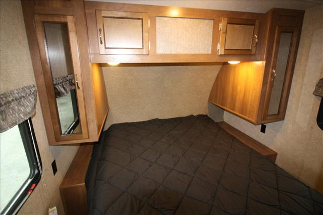 2017 Coachmen CATALINA 333BHTSCKLE For Sale In Bedford