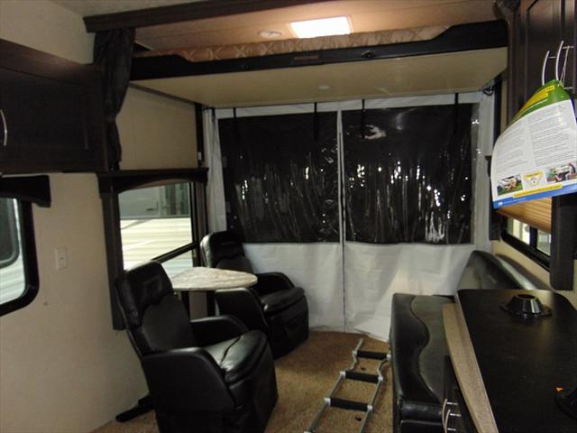 2018 Forest River SHOCKWAVE 21RQMX For Sale In Edmonton