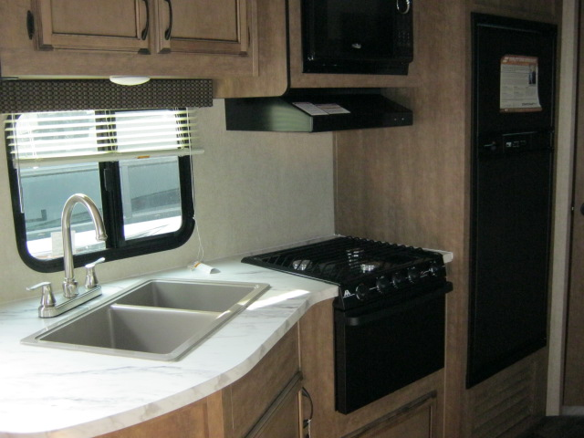 2018 Starcraft LAUNCH OUTFITTER 24BHS For Sale In Airdrie