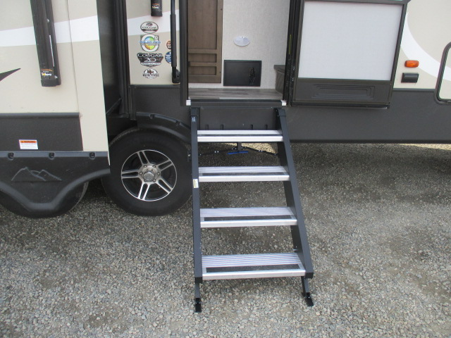2019 Keystone COUGAR 368MBI For Sale In Kamloops