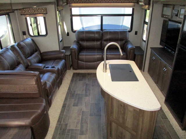 2019 Keystone PREMIER 34RIPR For Sale In Leduc