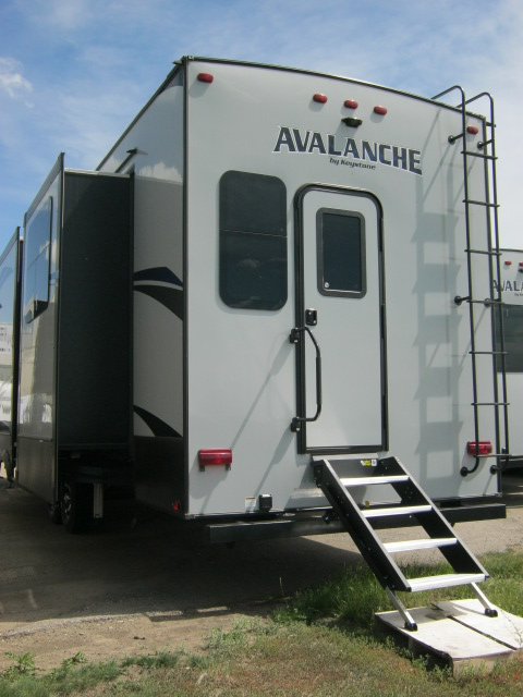 2018 Keystone AVALANCHE 395BH For Sale In Airdrie