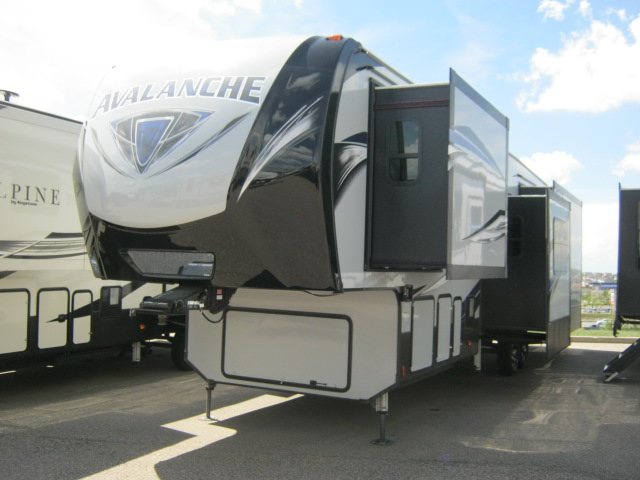 2018 Keystone AVALANCHE 365MB For Sale In Airdrie