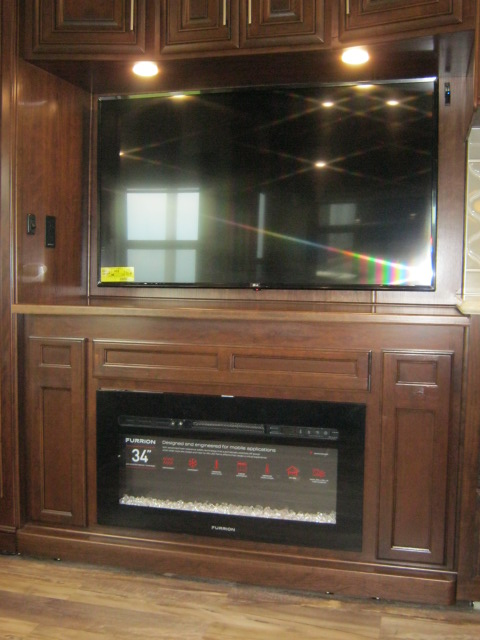 2019 Drv MOBILE SUITE 38RSSA For Sale In Airdrie
