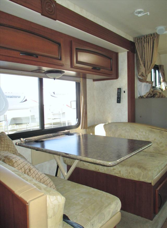 2011 Fleetwood TIOGA 31M For Sale In Airdrie