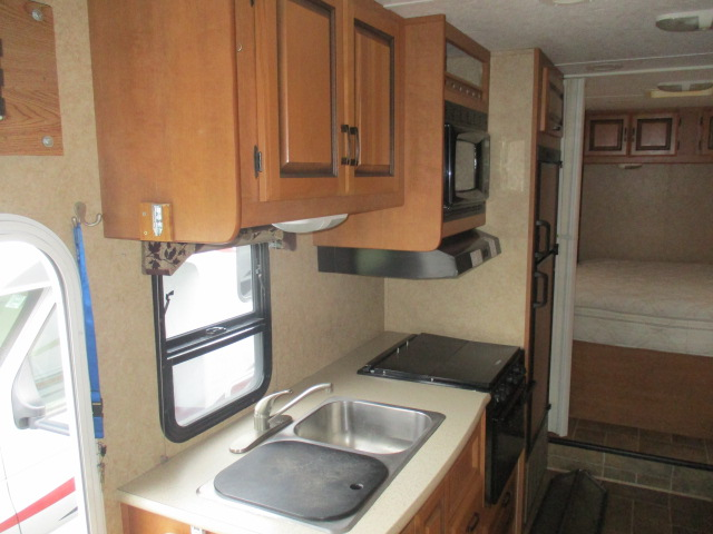 2010 Forest River SUNSEEKER 2650CDW For Sale In Kamloops