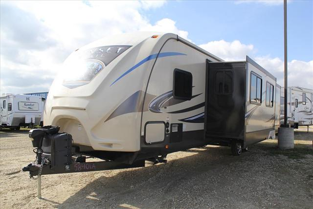 2015 Crossroads SUNSET TRAIL 33PB For Sale In Lacombe County