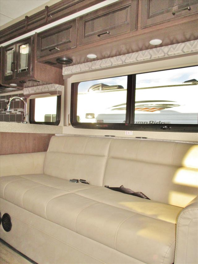 2019 Thor Motor Coach FOURWINDS 31Y*18 For Sale In Airdrie