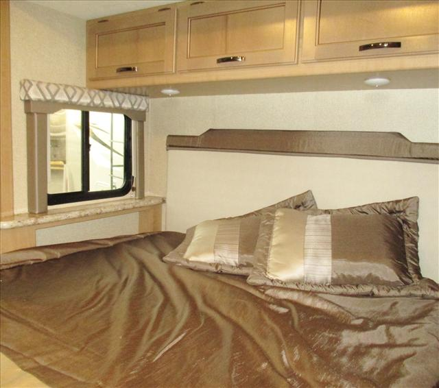 2019 Thor Motor Coach FOURWINDS 24F*18 For Sale In Airdrie