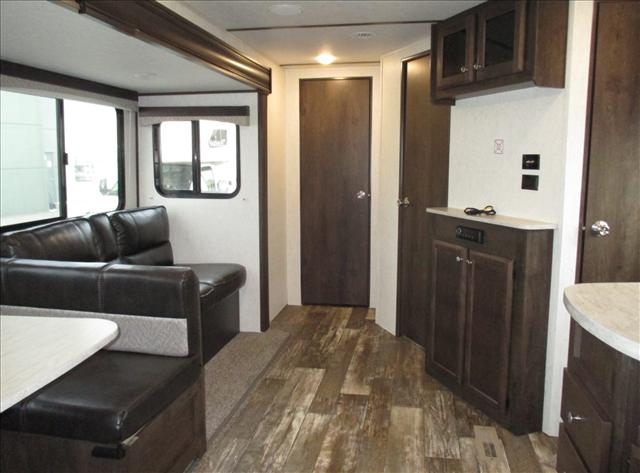 2019 Starcraft LAUNCH OUTFITTER 31BHS For Sale In Airdrie