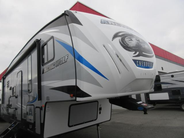 2019 FOREST RIVER ARCTIC WOLF F265DBH8