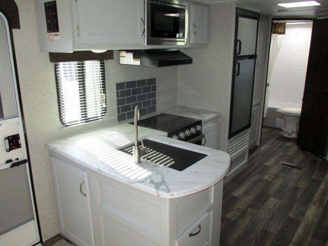 2019 Keystone BULLET 273BHSWE For Sale In Leduc Kitchen