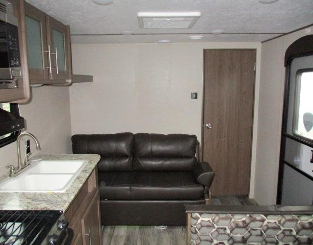 2019 Keystone HIDEOUT 25LHSWE For Sale In Leduc Living Area