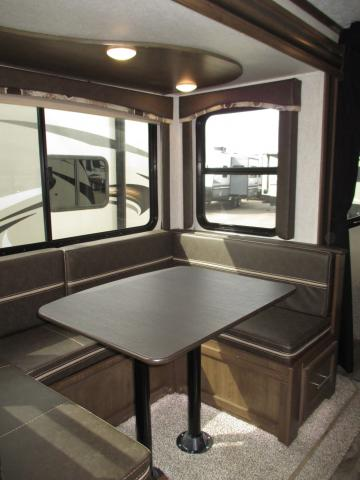 DINETTE 2019 COUGAR 22RBSWE