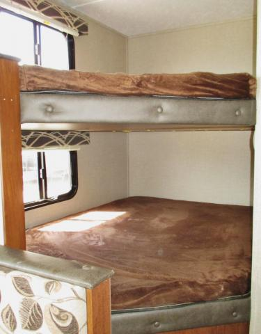 DOUBLE OVER DOUBLE BUNK BEDS 2018 HIDEOUT 21LHS