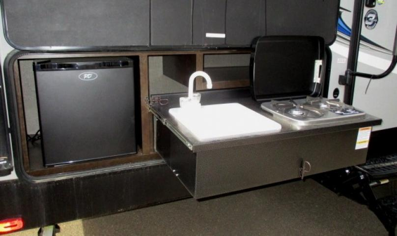 2019 Cruiser RV SHADOW 277BHS For Sale In Leduc Exterior Kitchen