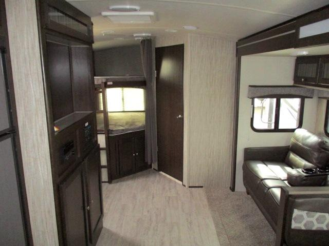 2019 Cruiser RV SHADOW 277BHS For Sale In Leduc Living Area