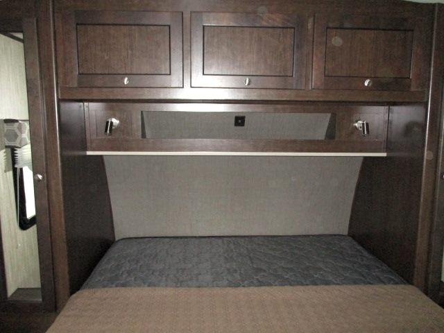 2019 Cruiser RV SHADOW 277BHS For Sale In Leduc Bedroom