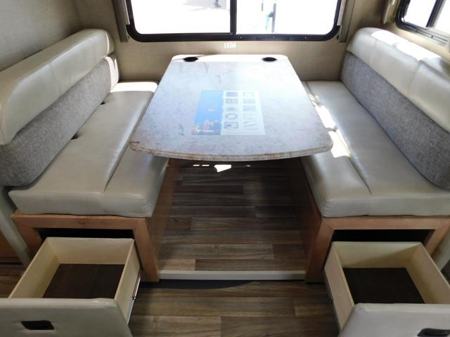 2019 Thor Motor Coach QUANTUM KM24*18 For Sale In Leduc Booth Dinette Storage