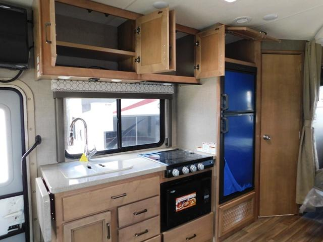 2019 Thor Motor Coach QUANTUM KM24*18 For Sale In Leduc Kitchen Cupboards