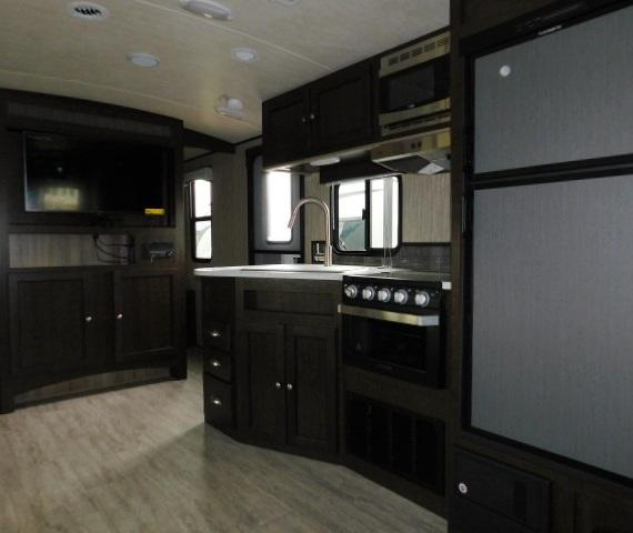2019 Cruiser RV SHADOW 313BHS For Sale In Leduc Kitchen