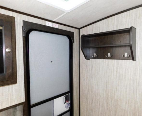 2019 Cruiser RV SHADOW 313BHS For Sale In Leduc Bathroom