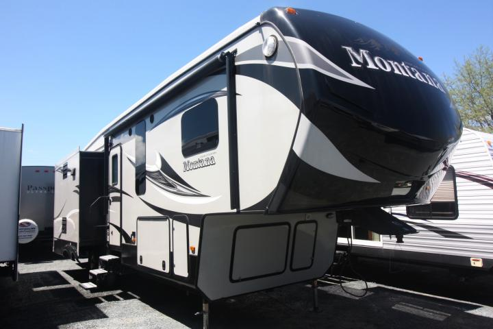 2015 KEYSTONE MONTANA HIGH COUNTRY 305RL