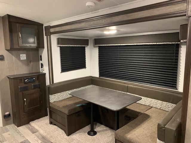 U-DINETTE WITH ENTERTAINMENT CENTER