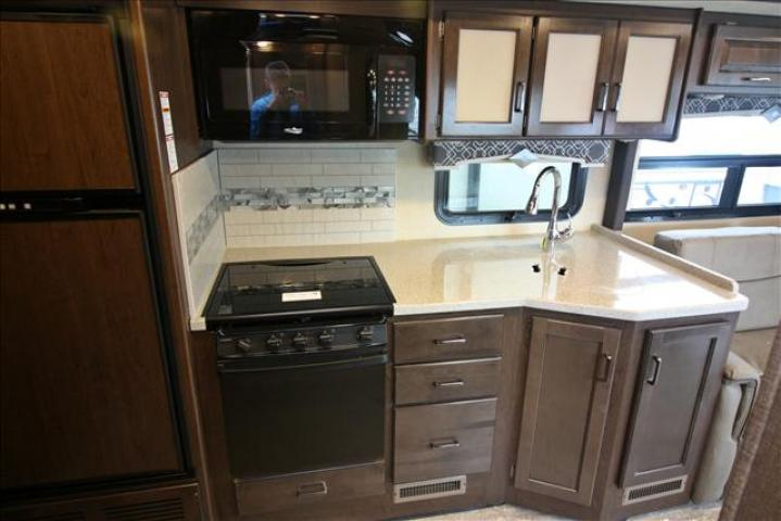 2019 Thor Motor Coach HURRICANE 29M For Sale In Bedford