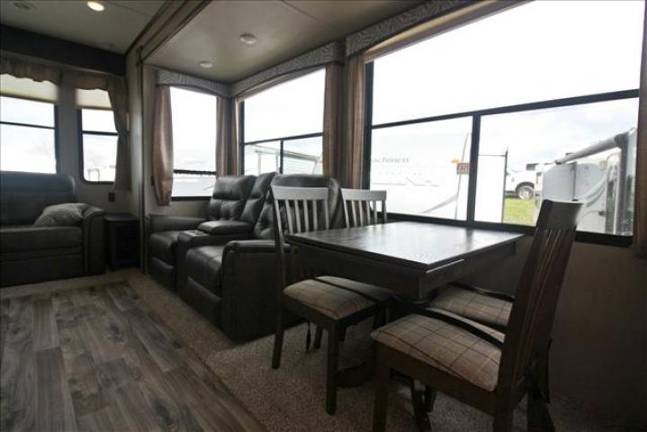 2019 Keystone RESIDENCE 40LOFT For Sale In Bedford
