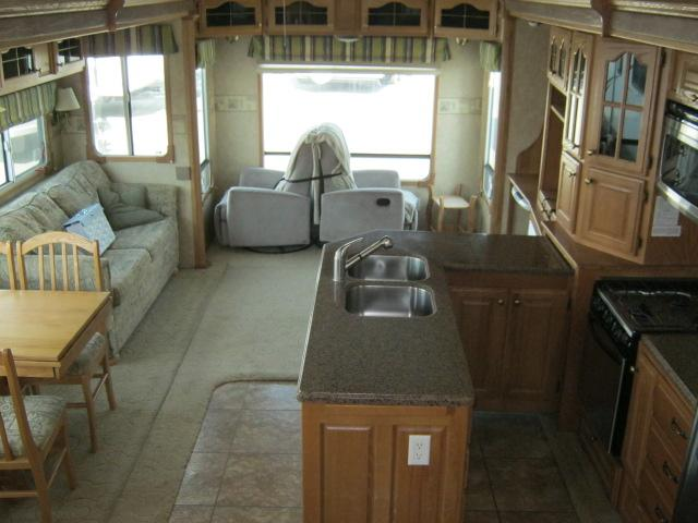 2006 Forest River CEDAR CREEK DAYDREAMER 37RLTSD For Sale In Airdrie