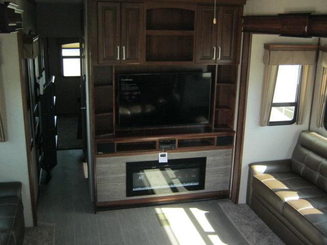 2019 Keystone ALPINE 3800FK For Sale In Airdrie