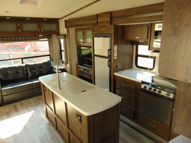2019 Dutchmen ASTORIA 3273MBF For Sale In Edmonton
